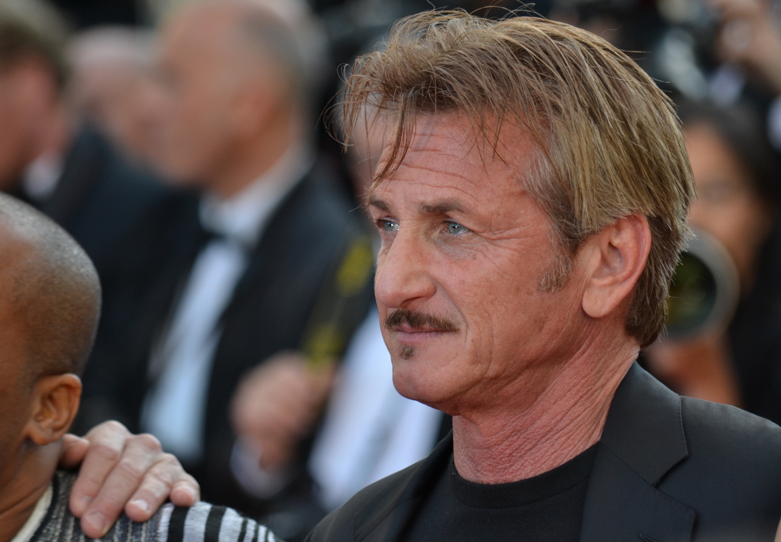 Cannes 2016: Sean Penn sul red carpet di The last Face