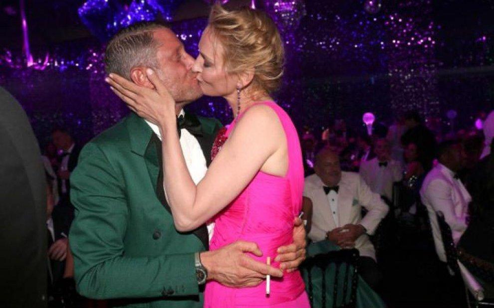 Cannes '16: il famigerato bacio tra Uma Thurman e Lapo Elkann