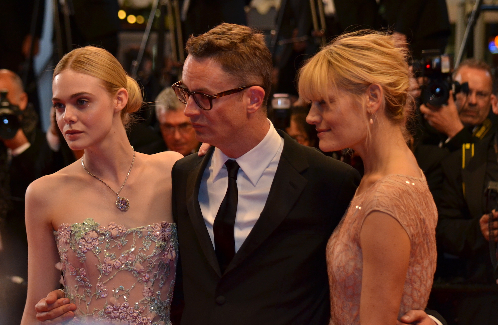 Cannes 2016: Elle Fanning e Nicolas Winding Refn sul red carpet di The neon Demon