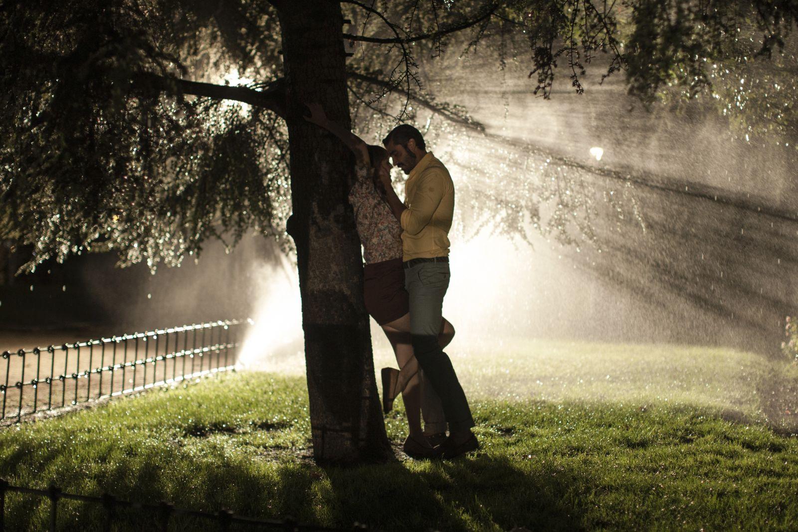 Kiki & i segreti del sesso: una scena di passione notturna del film