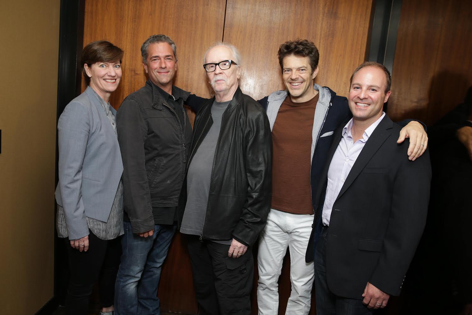 John Carpenter con Jason Blum e i prodiuttori di Blumhouse