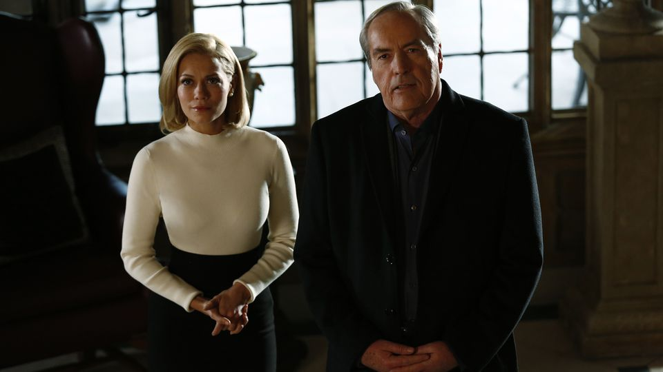 Agents of S.H.I.E.L.D.: Bethany Joy Lenz e Powers Boothe in una foto di Paradise Lost