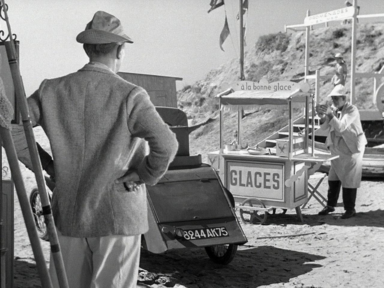 Le vacanze di monsieur Hulot: un'immagine tratta dal film di Jacques Tati