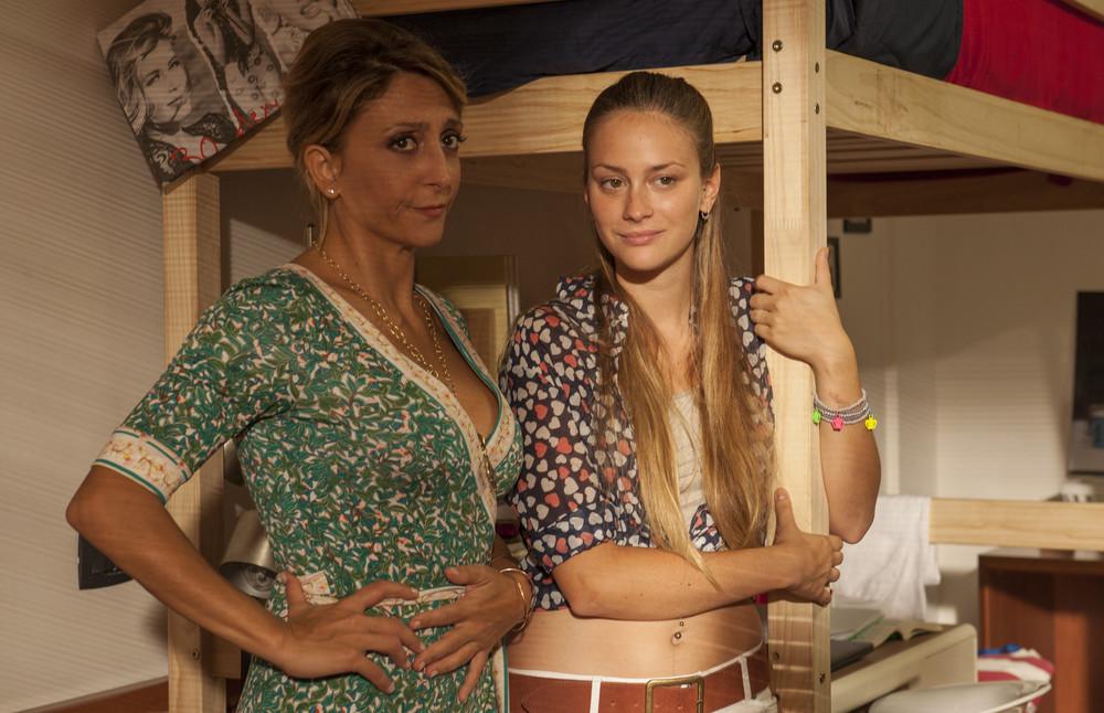 Miami Beach: Paola Minaccioni e Camilla Tedeschi in un momento del film