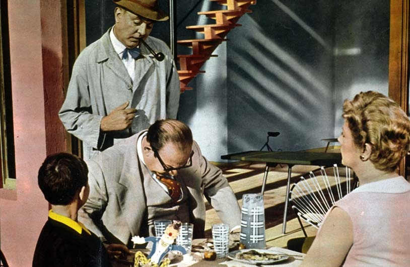 Mio zio: Jacques Tati in una scena del suo film