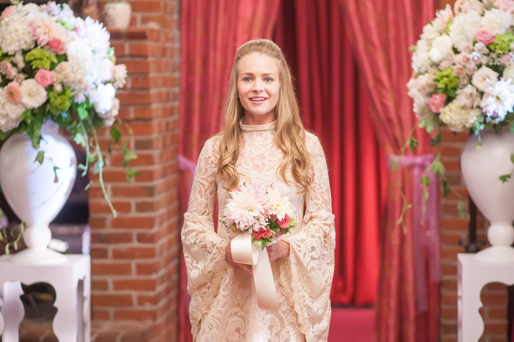 Mother's Day: Britt Robertson in una scena del film