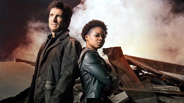 Powers: Shartlo Copley e Susan Heyward in una foto della seconda stagione