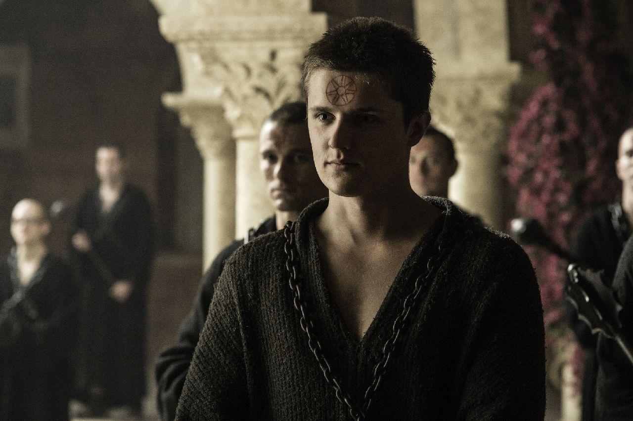 Il Trono di Spade: Eugene Simon è Lancel Lannister in No One
