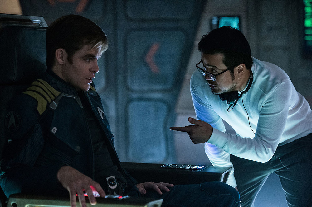 Star Trek Beyond: Chris Pine insieme al regista Justin Lin sul set del film