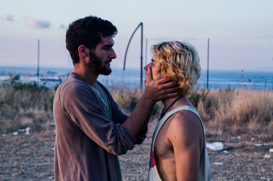 Il nostro ultimo: Fabrizio Colica e Guglielmo Poggi in una scena del film