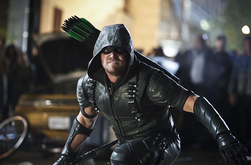 Arrow: il protagonista Stephen Amell in Scissione