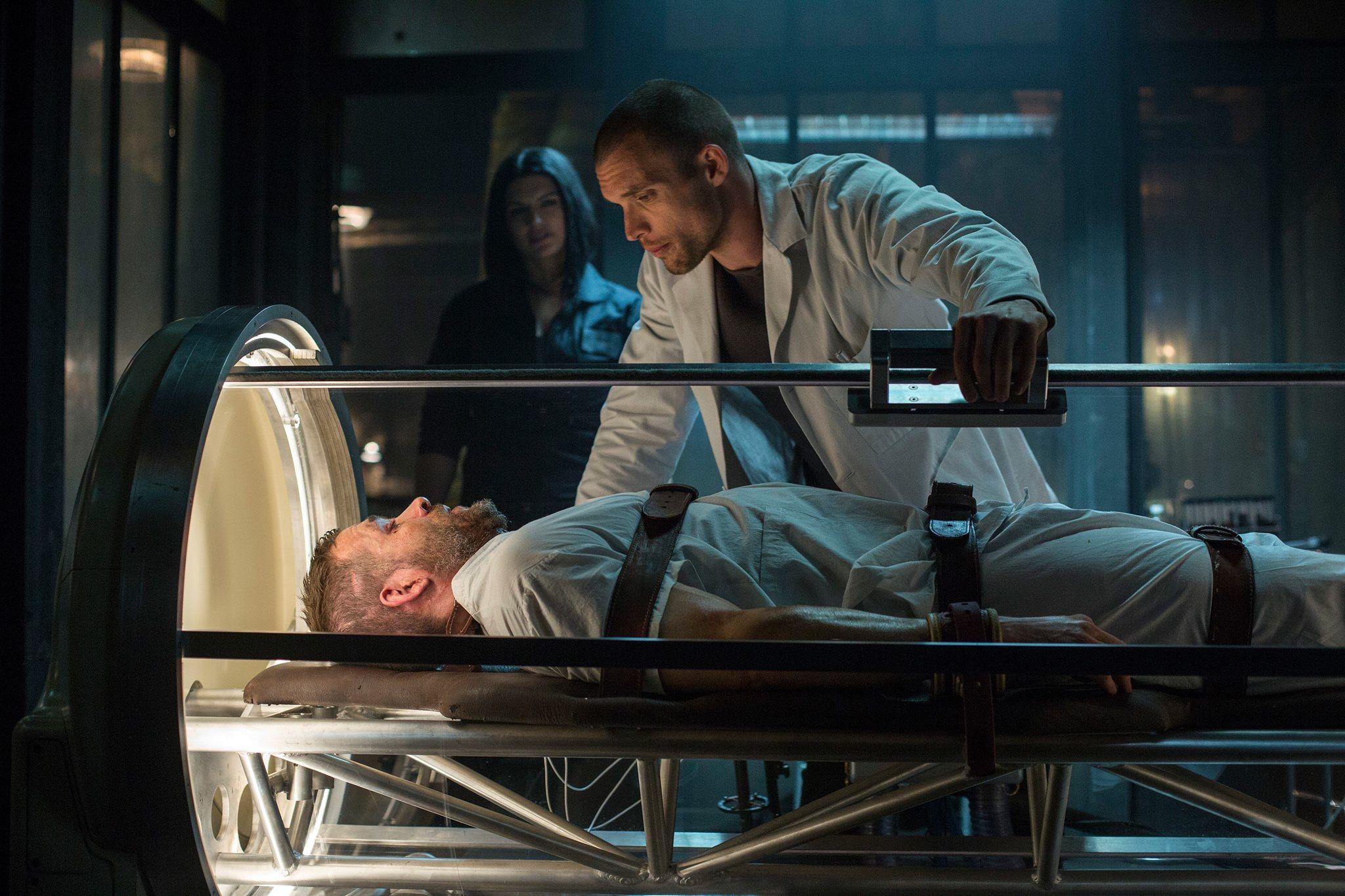 Deadpool: Ed Skrein con Ryan Reynolds