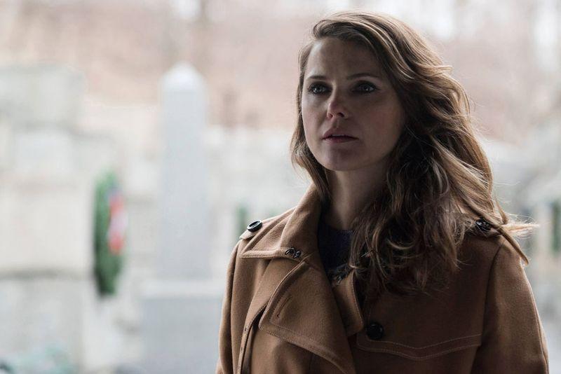 The Americans: Keri Russel in un immagine dell'episodio Persona non grata