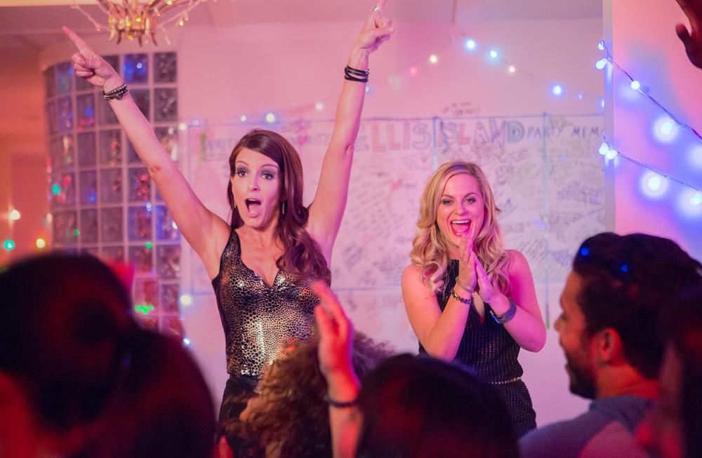 Le sorelle perfette: Tina Fey e Amy Poehler in una scena del film