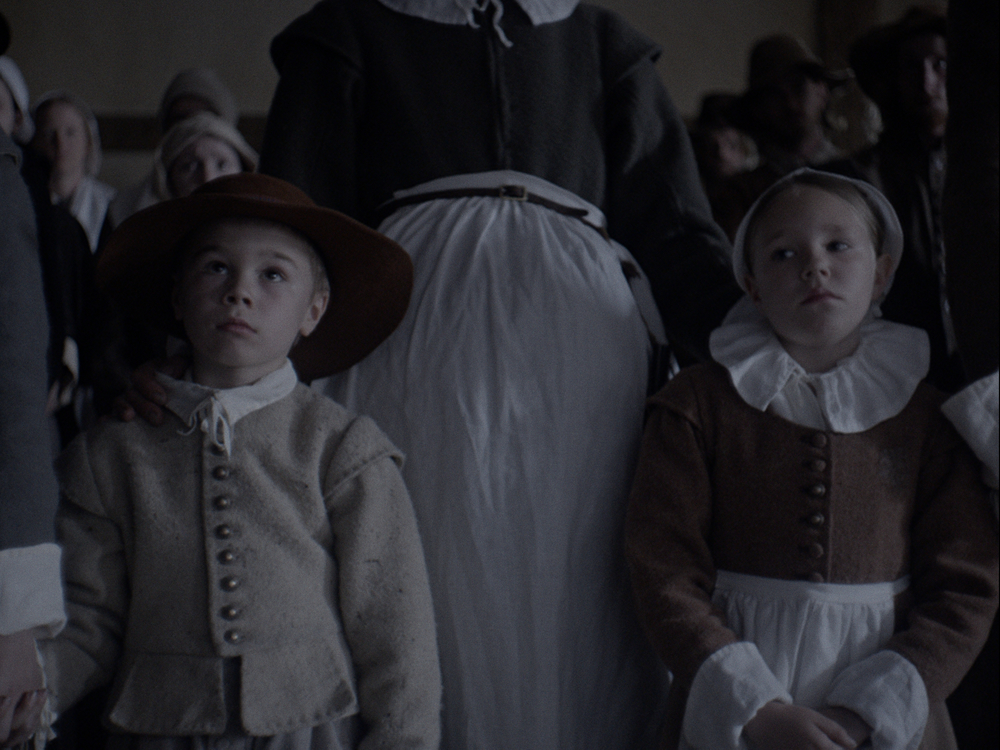 The Witch: Ellie Grainger e Lucas Dawson in una scena del film