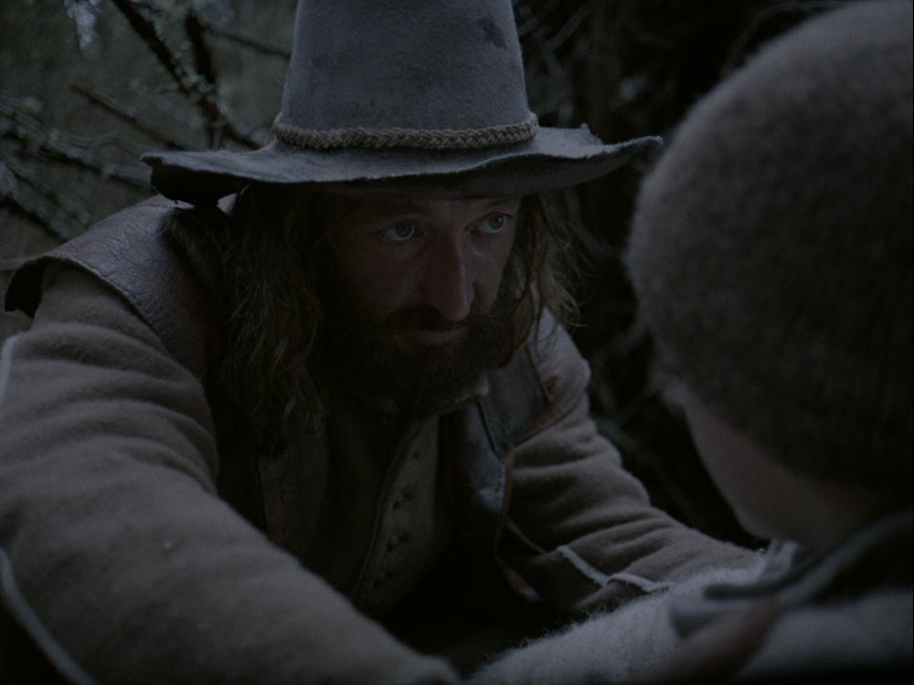 The Witch: Ralph Ineson in una scena del film