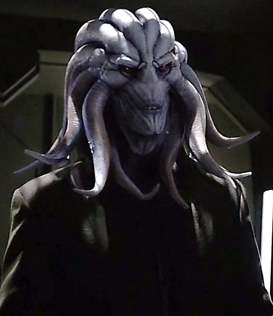 Agents of S.H.I.E.L.D.: Hive in una foto del season finale Absolution/Ascension