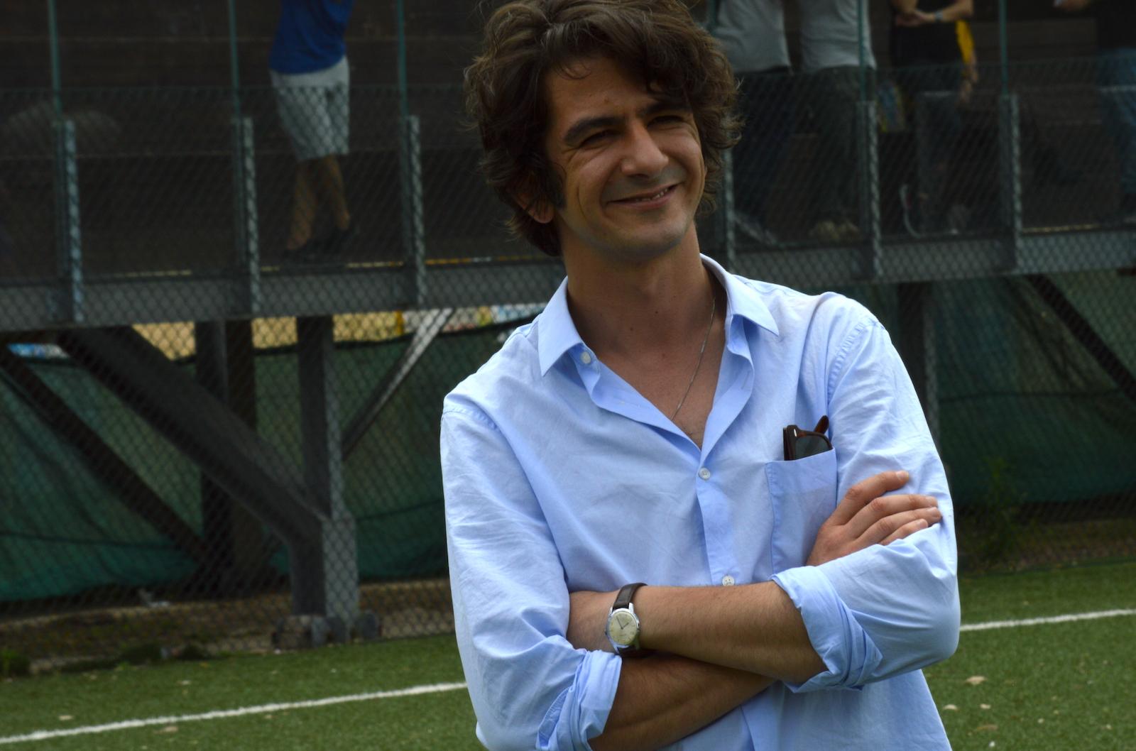 I babysitter: Francesco Mandelli davanti ai fotografi