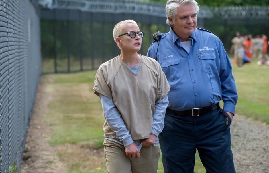 Orange is the New Black: Lori Petty e Michael Harney in una foto della quarta stagione