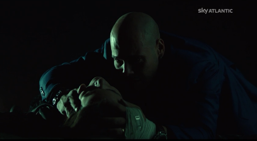 Gomorra 2, Marco D'Amore in una scena dell'episodio Vita Mia