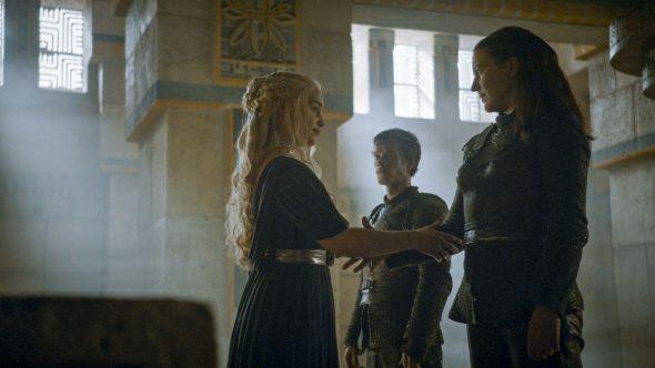 Il trono di spade: Emilia Clarke e Gemma Whelan in una scena di Battle of the Bastards