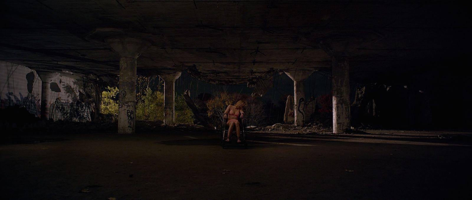 It Follows: una scena del film di David Robert Mitchell