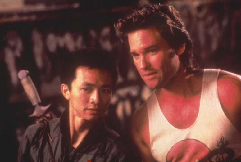 Grosso guaio a Chinatown: Kurt Russell e Dennis Dun in una scena del film