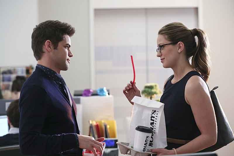 Supergirl: una foto che ritrae Jeremy Jordan e Melissa Benoist in L'Ultimo Sacrificio