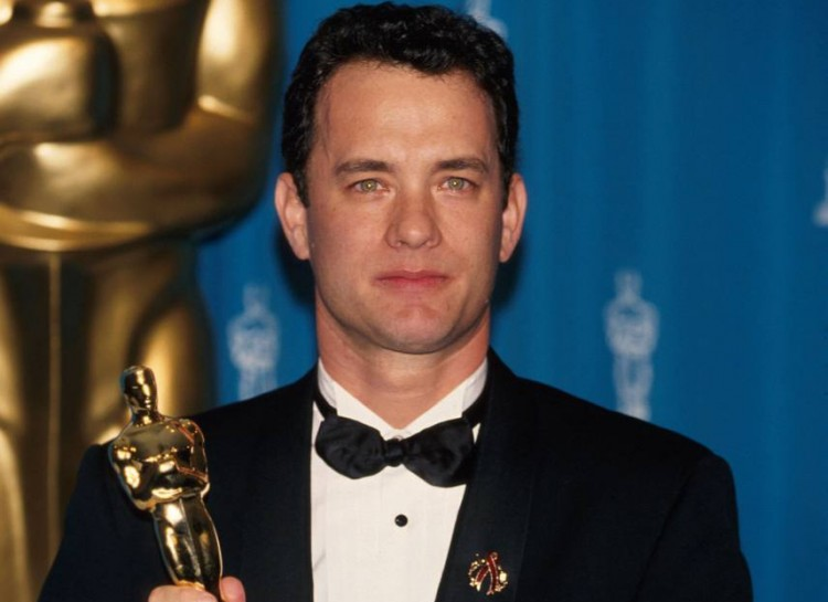 Tom Hanks impugna l'Oscar conquistato con Philadelphia