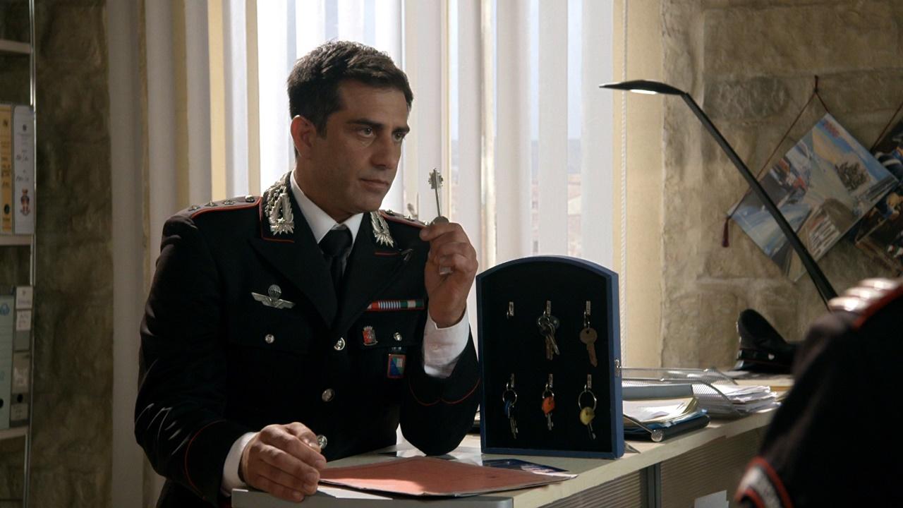 Complimenti per la connessione: un'immagine dell'attore Simone Montedoro