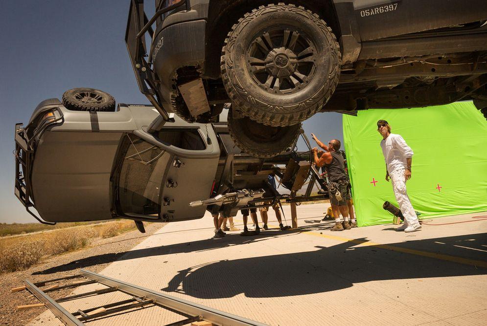Transformers: The Last Knight - Michael Bay sul set
