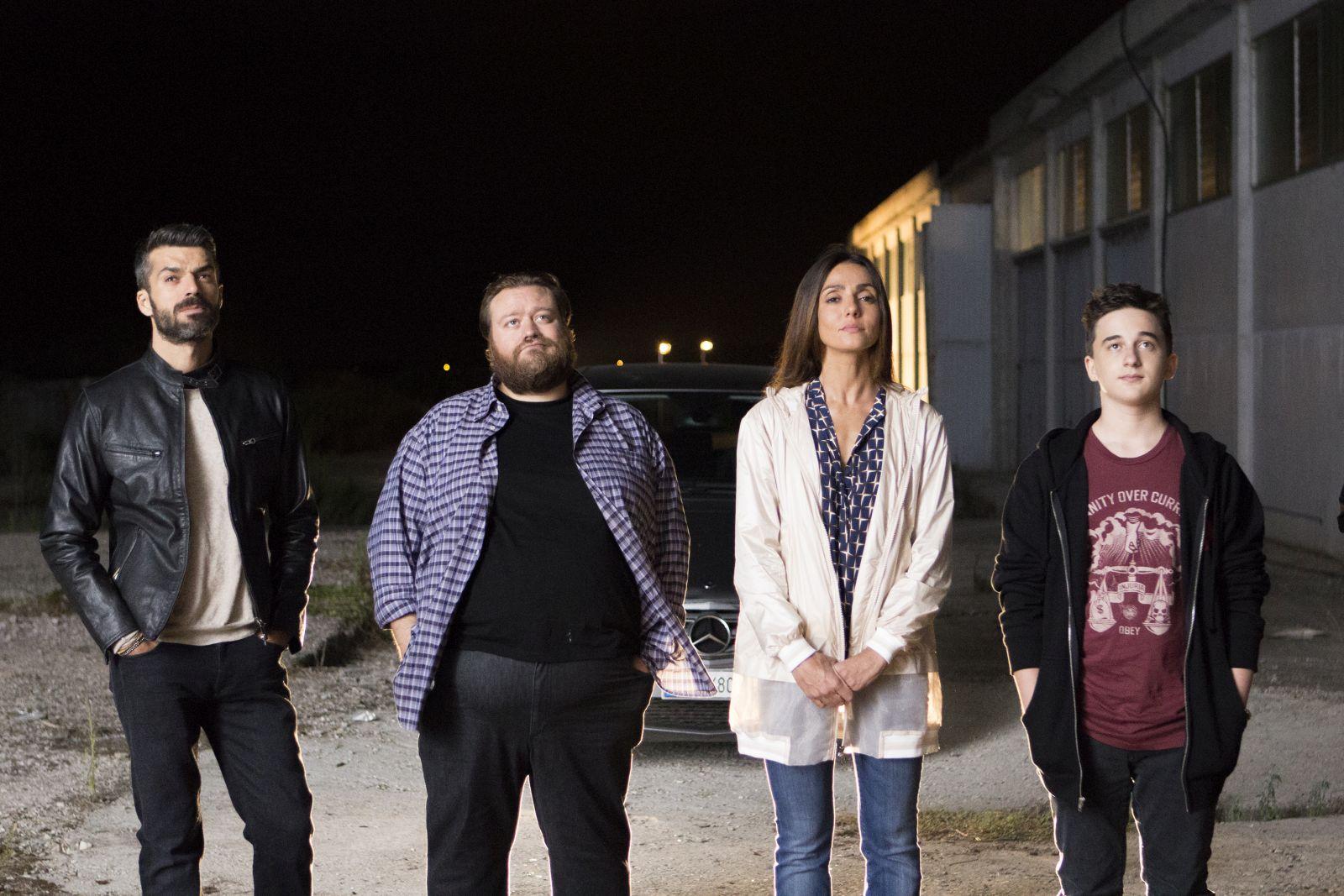 Al posto tuo: Luca Argentero, Ambra Angiolini e Stefano Fresi in una scena del film