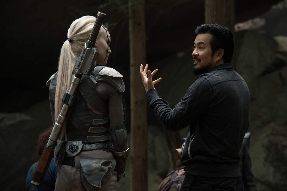 Star Trek Beyond: Sofia Boutella e il regista Justin Lin sul set