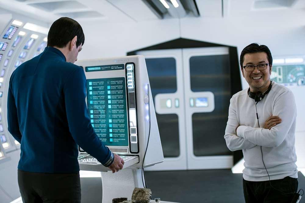 Star Trek Beyond: Zachary Quinto con il regista Justin Lin sul set