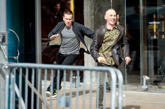 T2: Trainspotting 2 - Ewan McGregor ed Ewen Bremmer in fuga a Edimburgo