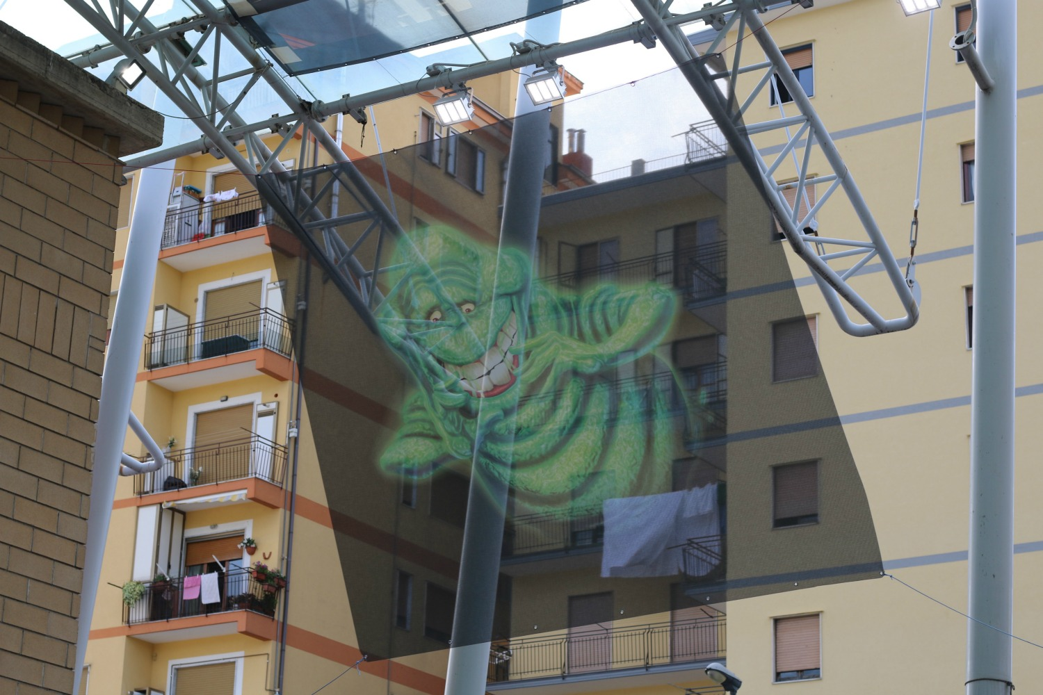 Ghostbusters a Giffoni 2016, lo Slimer incombe sulle palazzine...
