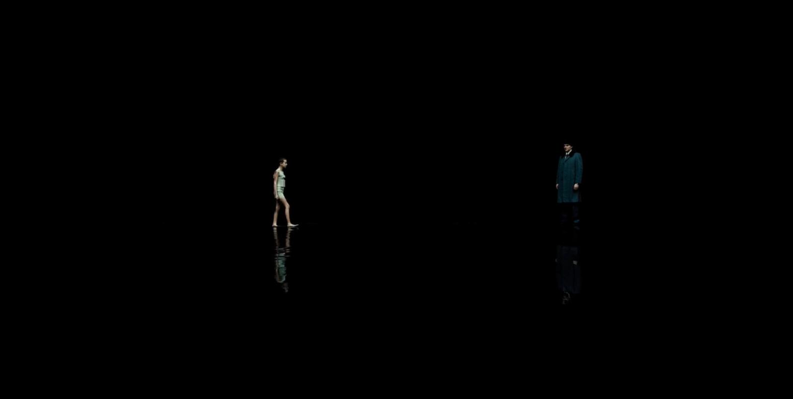 Stranger Things: Millie Bobby Brown in una scena