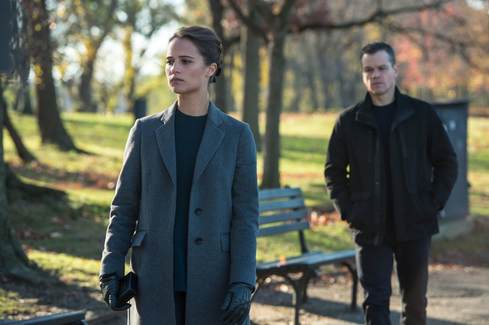 Jason Bourne: Alicia Vikander e Matt Damon in una scena del film