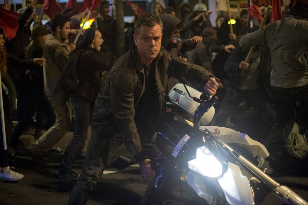 Jason Bourne: Matt Damon cavalca una moto in una concitata sequenza
