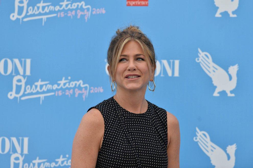 Jennifer Aniston sorridente a a Giffoni 2016!