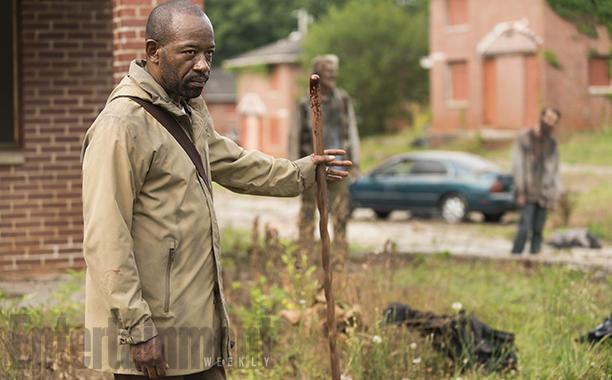 The Walking Dead: Lennie James in una foto della settima stagione