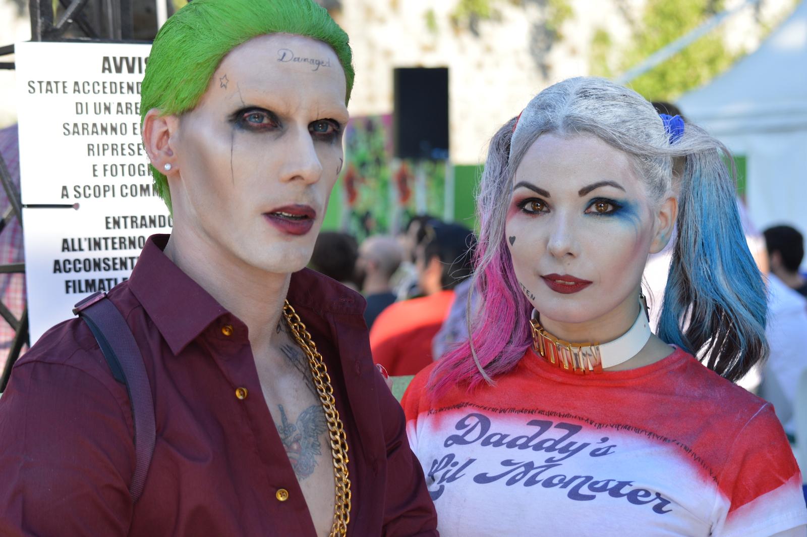 Suicide Squad: Harley Quinn in posa insieme al Joker all'evento dedicato al film