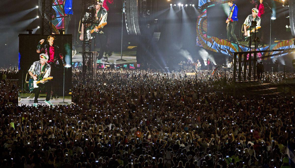 The Rolling Stones in Cuba - Havana Moon: un'immagine della folla durante il concerto