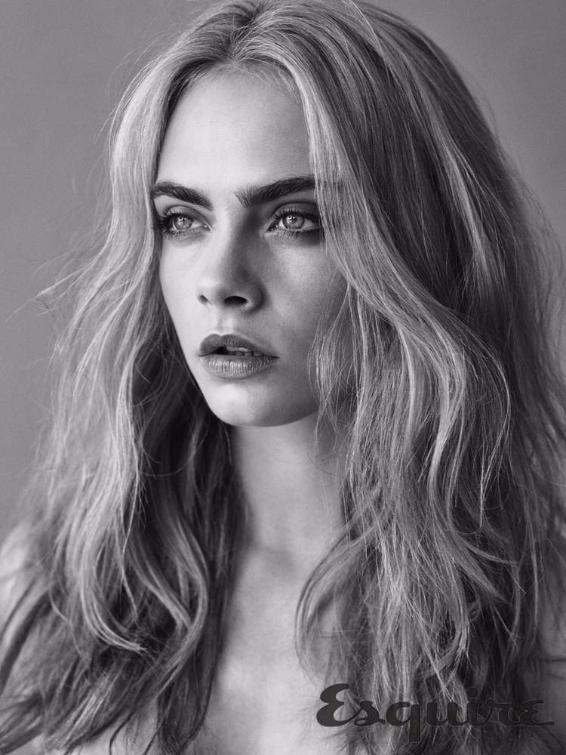 La modella e attrice Cara Delevingne su Esquire
