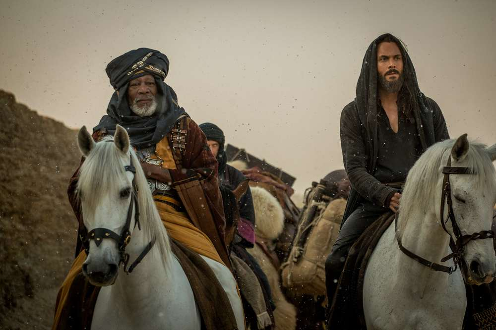 Ben-Hur: Morgan Freeman e Jack Huston in un momento del film