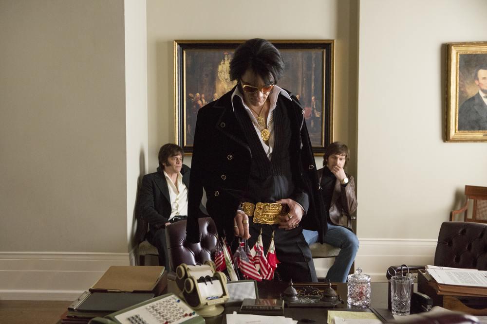 Elvis & Nixon: Michael Shannon, Johnny Knoxville e Alex Pettyfer in una scena del film