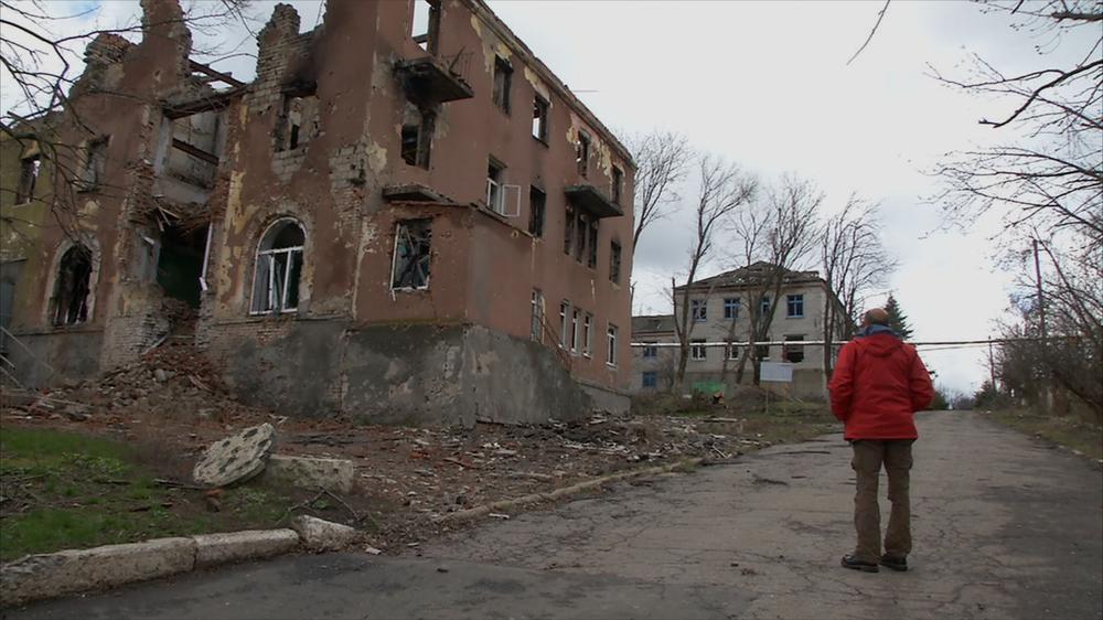 Ombre dal fondo: Domenico Quirico in una scena del documentario
