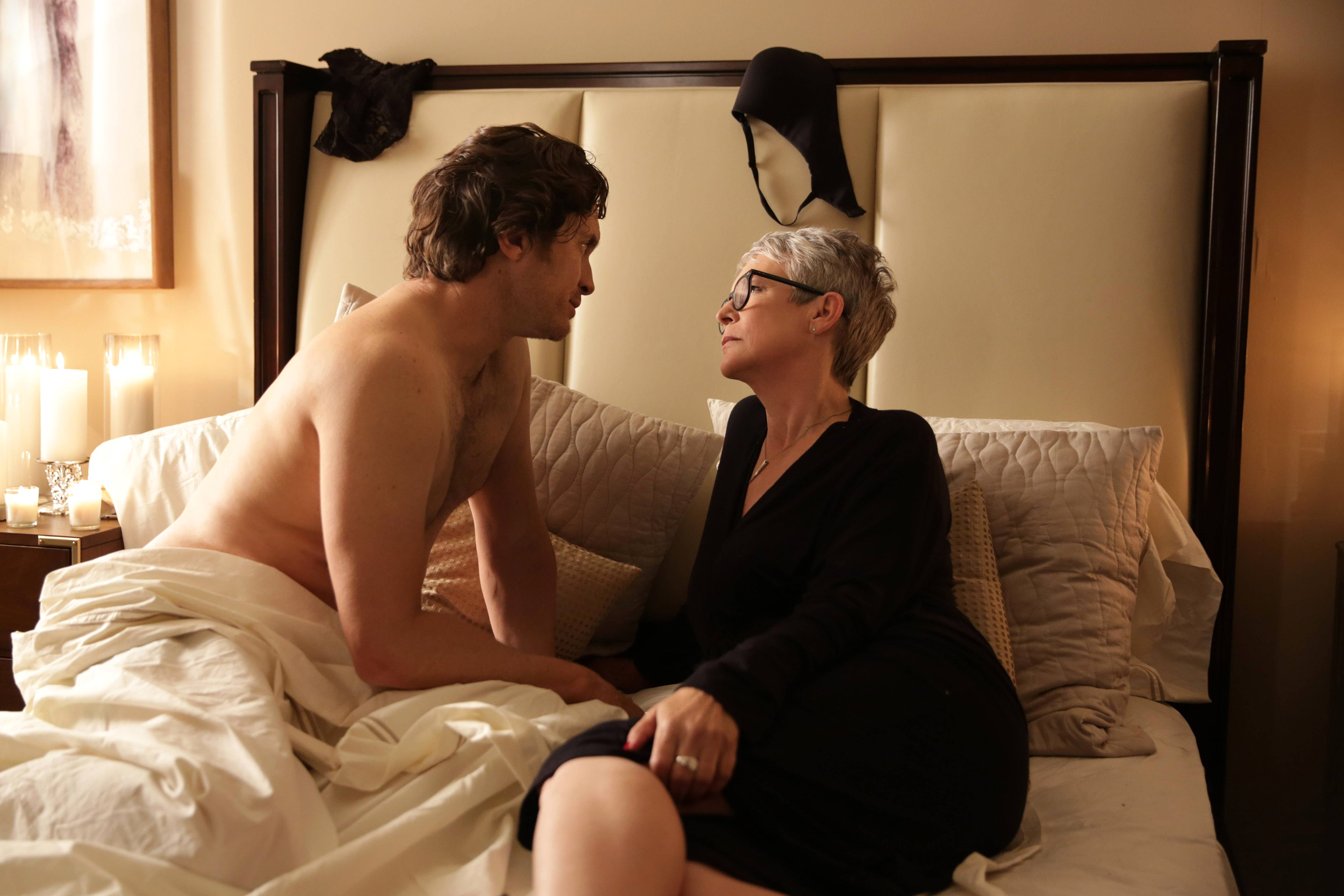 Scream Queens: Oliver Hudson e Jamie Lee Curtis nell'episodio The Final Girl(s)
