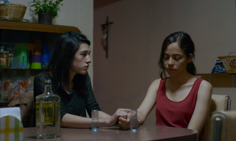 The Untamed: Simone Bucio e Ruth Ramos in una scena del film