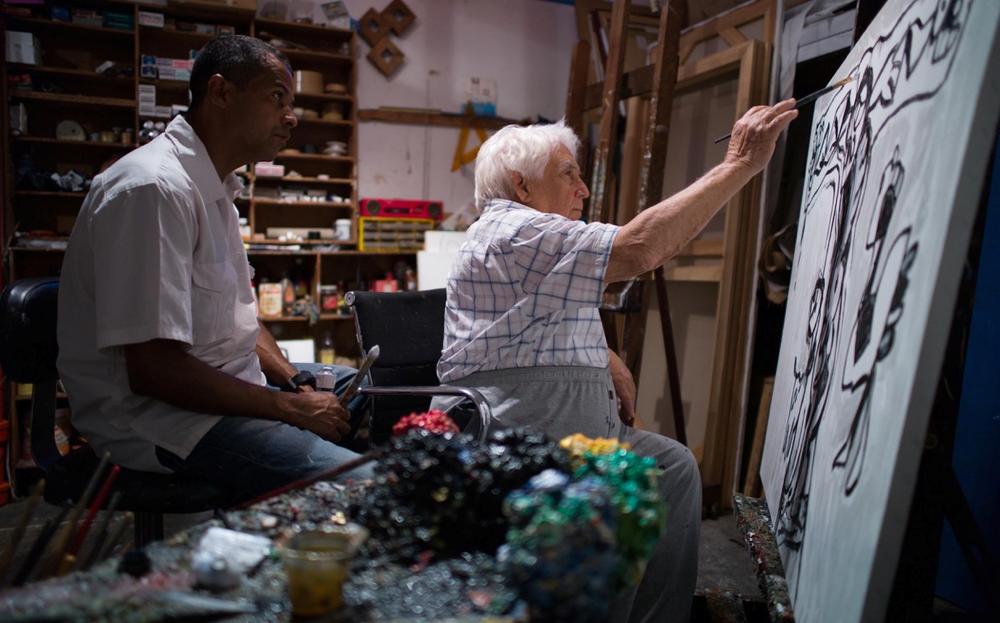 El vendedor de orquedas: Oswaldo Vigas in un'immagine tratta dal documentario